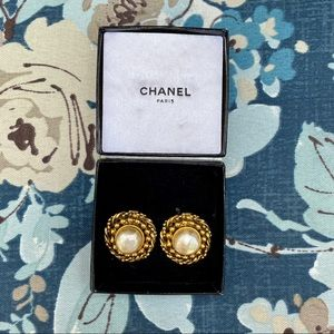 Authentic Vintage CHANEL Faux Pearl Clip Earrings